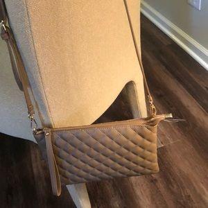 Handbags - NWT tan quilted design cross body purse!!